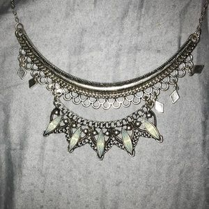 American Eagle statement necklace
